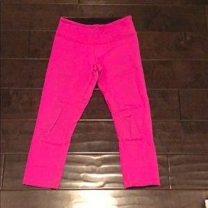 Lululemon hot pink cropped leggings